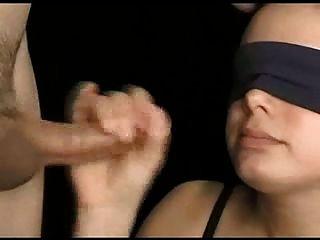 kateryne mit verbundenen Augen blowjob cumshot