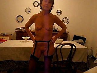 der Traum: kleine leere Saggy Titten 85