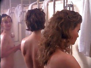 Mädchen im Gefängnis ione skye und bahni turpin.