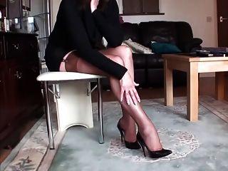 lange Beine in Strümpfen 2
