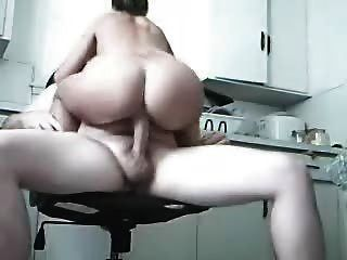 amatuers ficken in der küche