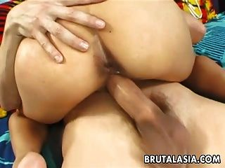 hot busty asian slut immer schlug echt rau