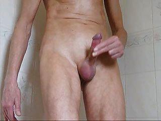 Skinny Guy schnellen Ruck und Sperma in der Dusche