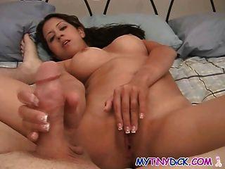Big Tits Schulmädchen im Bett mit ihrem Lehrer