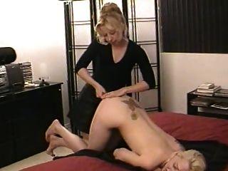 nette Schwestern spielen nackt (1)