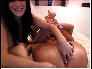 sexy Brünette Spielzeug gefesselt chic auf cam