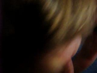 la coquine blonde en levrette