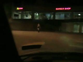 Chubby holte Blow Job in einem Auto