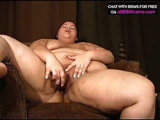 bbw gal will Dildo in ihrer molligen Pussy