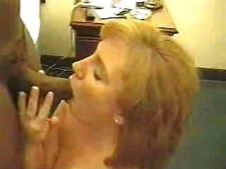 sexy rothaarige Frau liebt diesen großen schwarzen Schwanz 2 frmxd com
