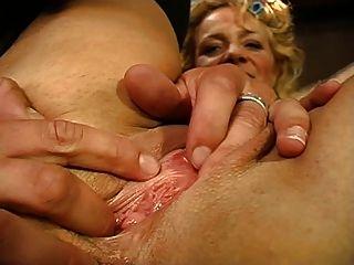 beate dumas une reifen se fait enculer devant son mari