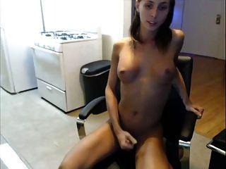 Gnade masturbieren ihren Schwanz und Arsch
