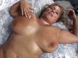perfekte Tits für Cumming über