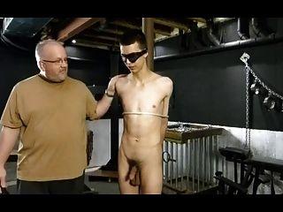 bdsm Bondage Homosexuell Junge bekommt Strafe