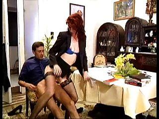 Redhead Hündin Witwe