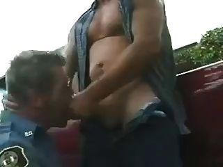 granjero follando eine policia maduro