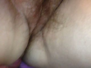 kleine cumshot auf ihre haarige pussy \u0026 ass.