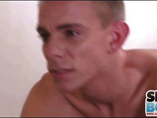 blonde twink wird in den Arsch gefickt und liebt es