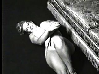 vintage big boobs 7 (virginia massive tits Glocke)