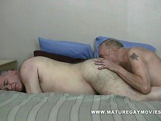 Fett Daddy gefickt von mollig reifen Freund