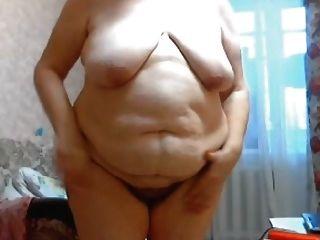 gilf stefany stehend mit großem fetten bauch