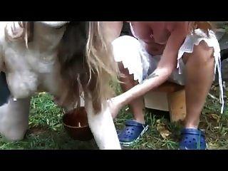 Anna die miking Kuh von cezar73