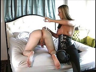 Maitresse geben eine tolle Prostata-Massage