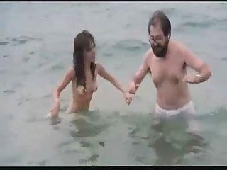 spanische Film nackte Schauspielerin am Strand