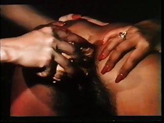 Vintage haarige lesbische Dildo-Show!