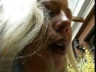 blonde hand \u0026 shoejob draußen, cum auf Strumpfhose