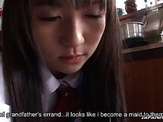 asiatische Haushälterin wird gefickt und von den Fellas angegriffen