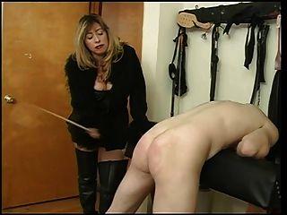 Herrin Cristian Spanking ihre Sklavin Dude