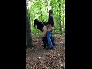 Hot Fuck # 205 im Wald mit einer untreuen Frau (Cougar)
