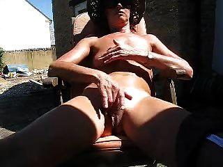 reife, dünne Frau fingers große Pussy