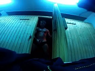str8 daddy risky cum in der sauna gym ll