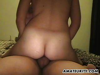 Amateur Chubby Teen Freundin saugt und fickt