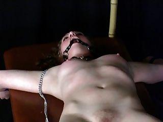 Herrin fucking Schlampe mit Sex-Spielzeug