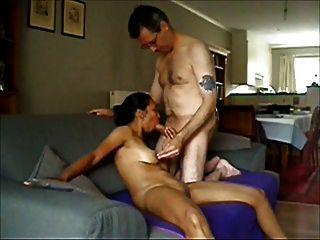 der Traum: kleine leere Saggy Titten 56
