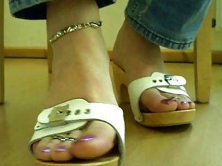 die Füße meines tranny Sklaven