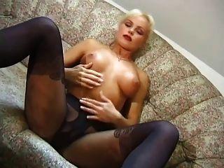 heiße blonde neckt in Mode Strumpfhose