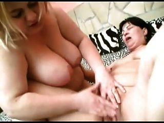 Fett bbw lesbian gf küssen, saugen Titten, spielen mit Pussy