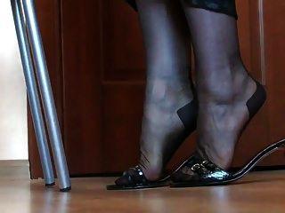 Beine und Füße in Nylon