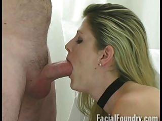 Chloe gibt einen hervorragenden Blowjob vor dem Sperma
