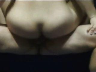 Amatauer Küken setzt Dildo in den Arsch