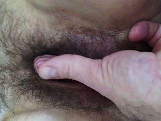 große Klitoris \u0026 behaarte Pussy