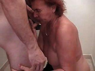 Oma und junger Mann 3