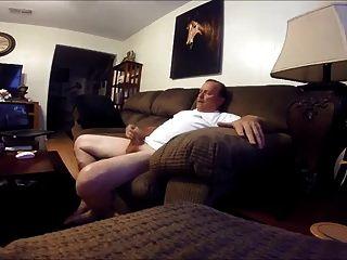 Str8 Daddy Wurzel Porno im Wohnzimmer