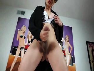shemale sofia vs sexy Mädchen