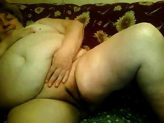 fette Oma nackt vorne cam