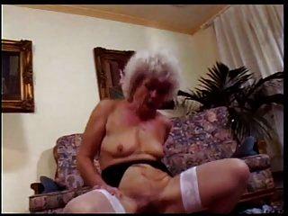 Oma die Hure # 1 Szene 3